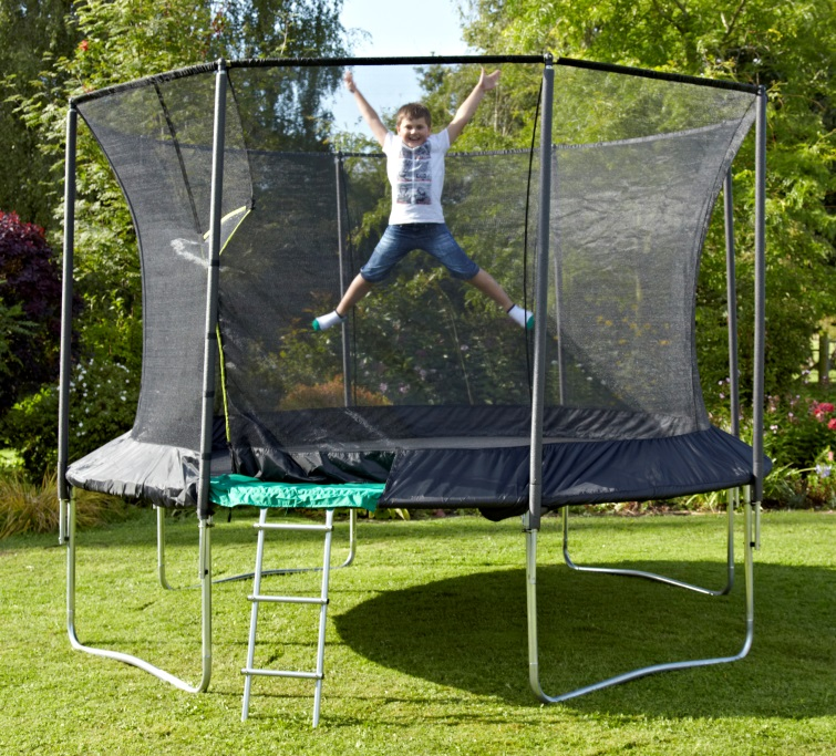 Round trampoline from TP trampolines